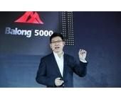 Richard Yu, Chef der Consumer Business Group von Huawei, mit dem neuen Chipset