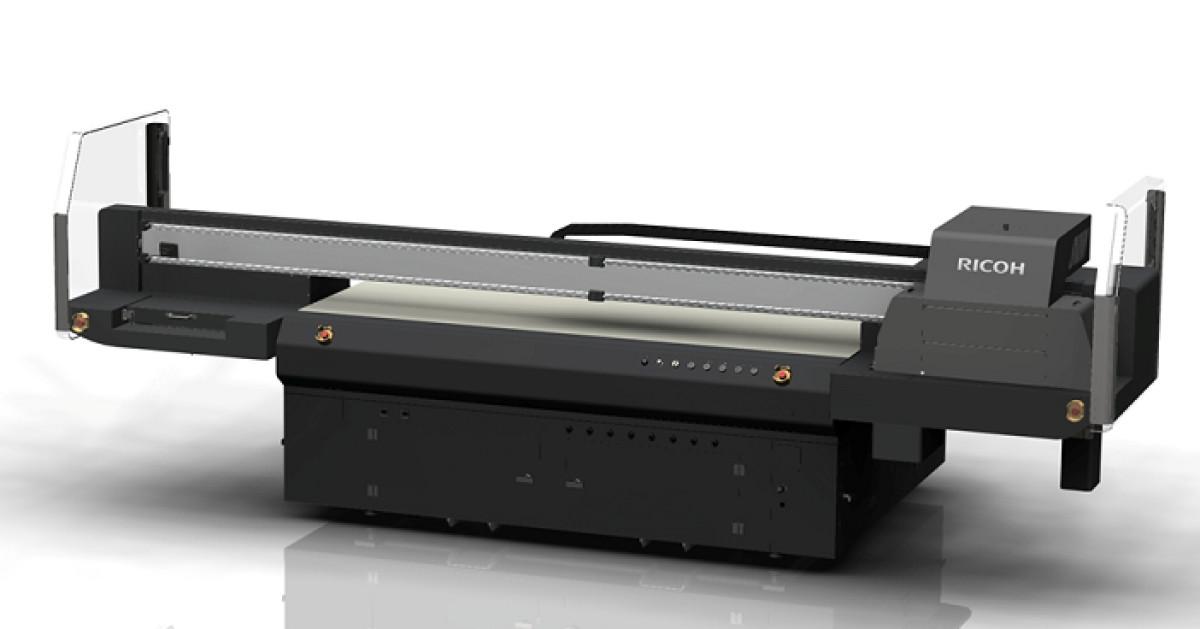 Ricoh-UV-LFP-Flachbettdrucker-Pro-TF6250-berzeugt-mit-Medienvielfalt
