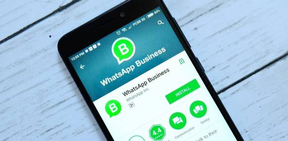 WhatsApp Business App auf Smartphone